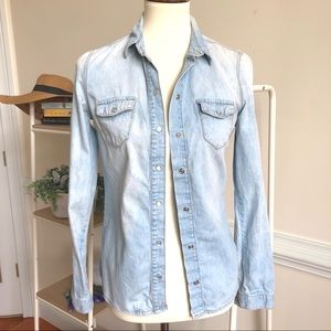 TOPSHOP chambray snap Button Down Size 4